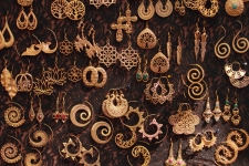 Earrings-on-sale,-Goa,-India