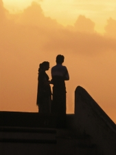 Silhouette-of-young-couple